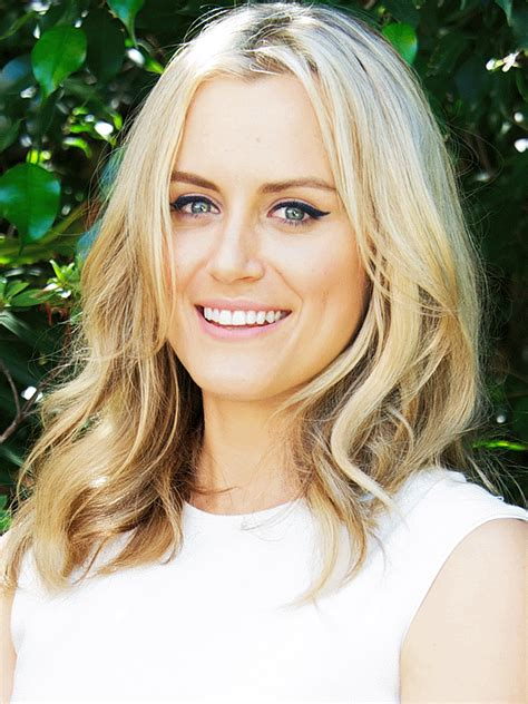 Taylor Schilling Wiki-Biography-Age-Weight-Height-Profile