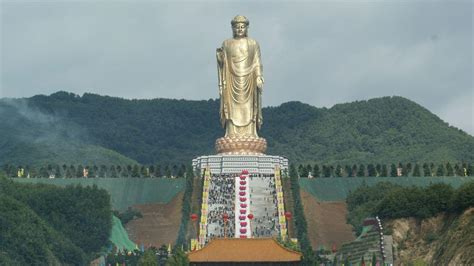 The 5 Largest Statues Ever Made