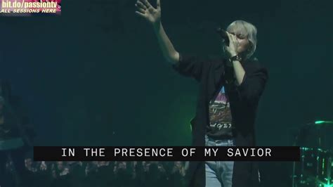 Oceans - Hillsong UNITED // Passion 2017 - YouTube